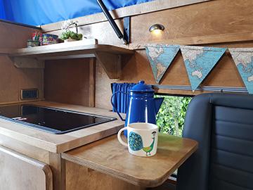 4x4 camper hire  - land rover interior